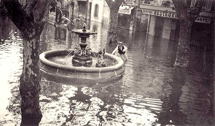 Inondation place des Corps-Saints