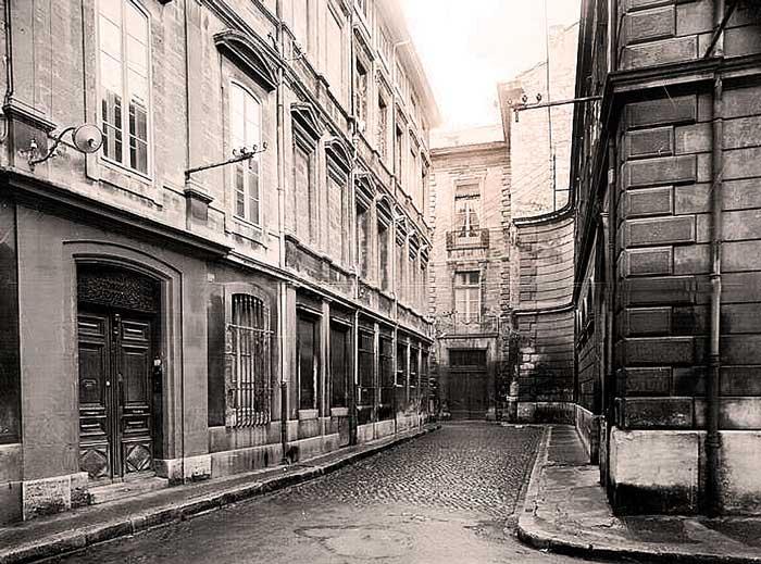 Avignon, rue du Roi René